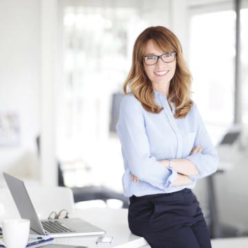 Die fünf wirkungsvollsten Regeln der Körpersprache für Frauen in Führungspositionen